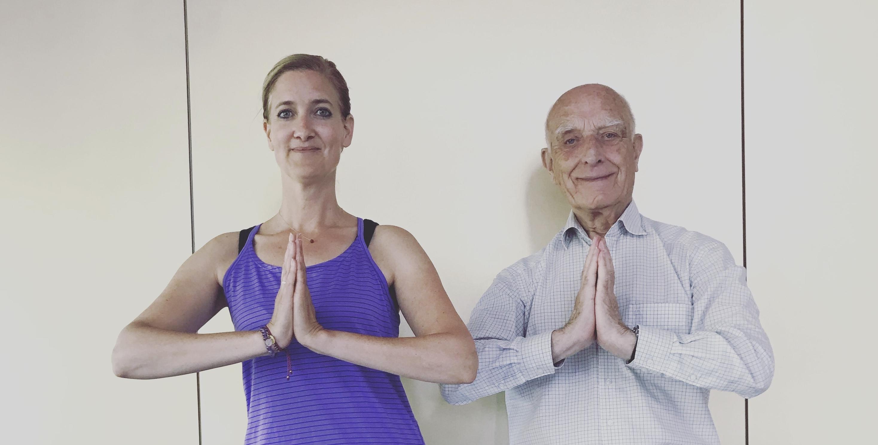 Arend Jan; bijna 90 jaar en nog steeds elke maandag naar yoga